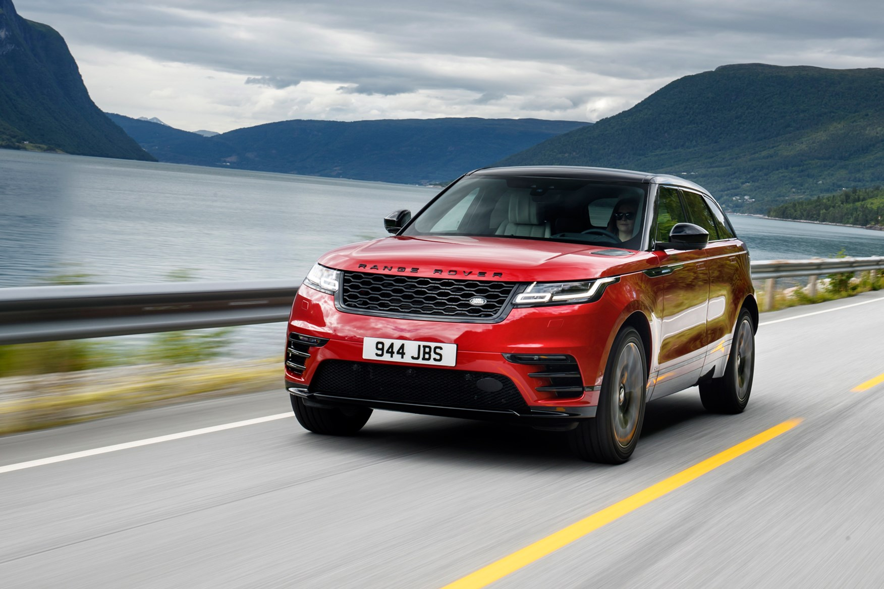 Range Rover Velar (2017) review by CAR Magazine