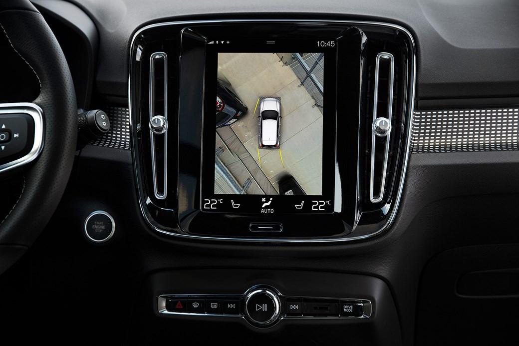 Volvo XC40'ın kabininde tablet tarzı dokunmatik ekran