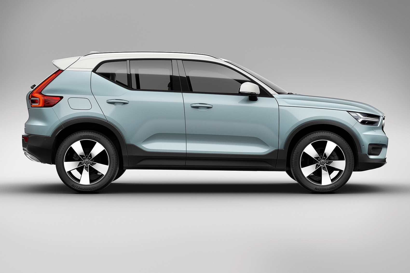 Volvo Xc40 Revealed All New Baby Crossover Is Go For 2018