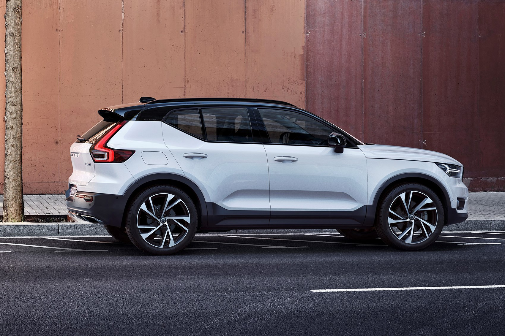 Volvo XC40 Is A U0027tough Little Robotu0027 ...