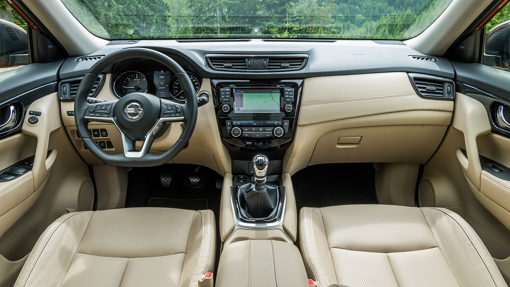 Nissan x trail 2017 facelift review by car magazine for Nissan x trail interior