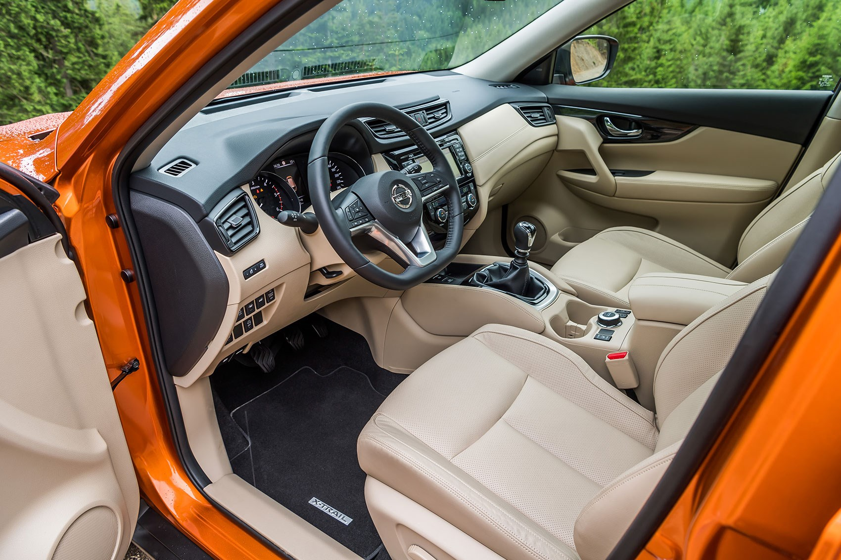 Nissan X-Trail interior: a tough cabin with clever tech features