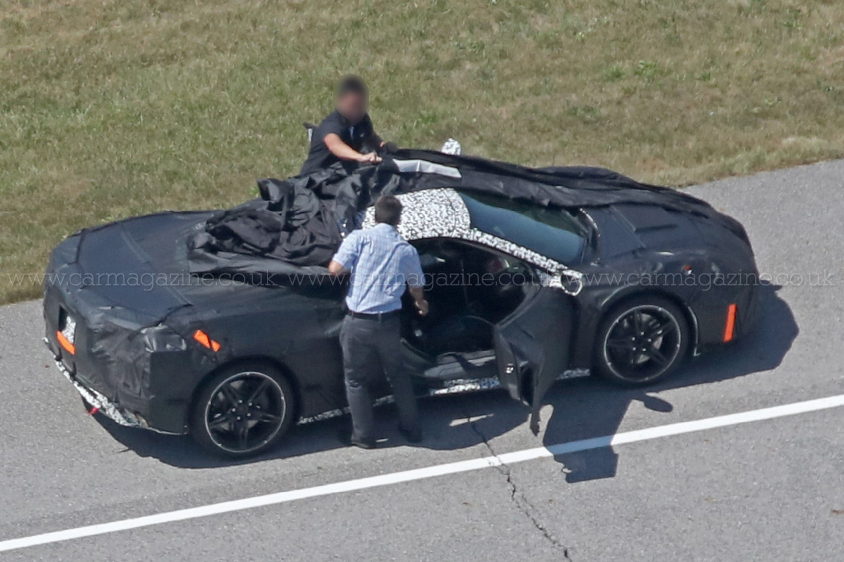 Mid-engined Corvette C8: new logo and release date ...