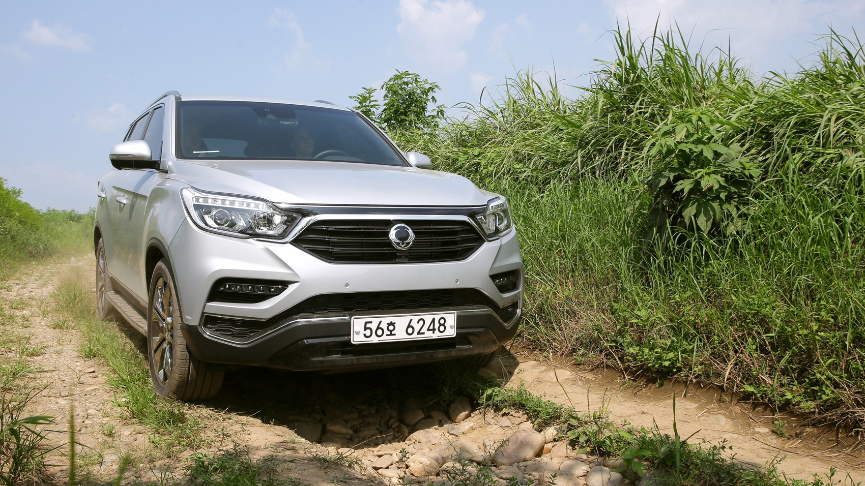 ssangyong rexton suv 2017 review by car magazine. Black Bedroom Furniture Sets. Home Design Ideas