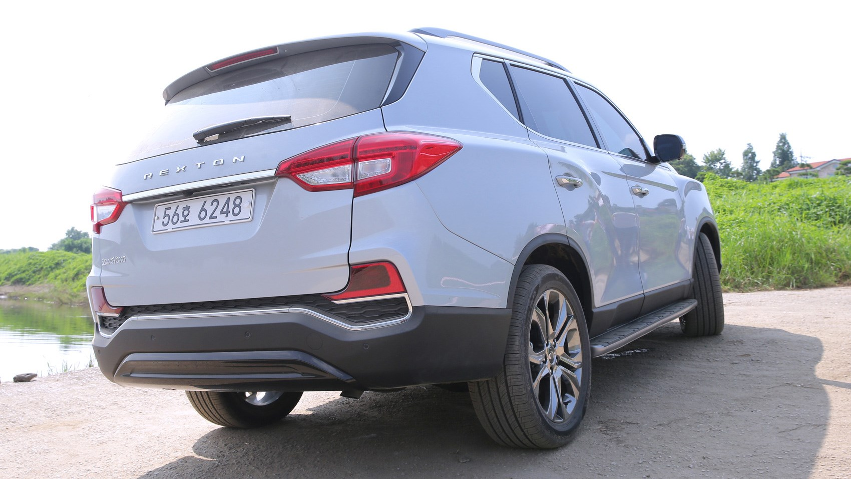 SsangYong Rexton SUV (2017) review by CAR Magazine