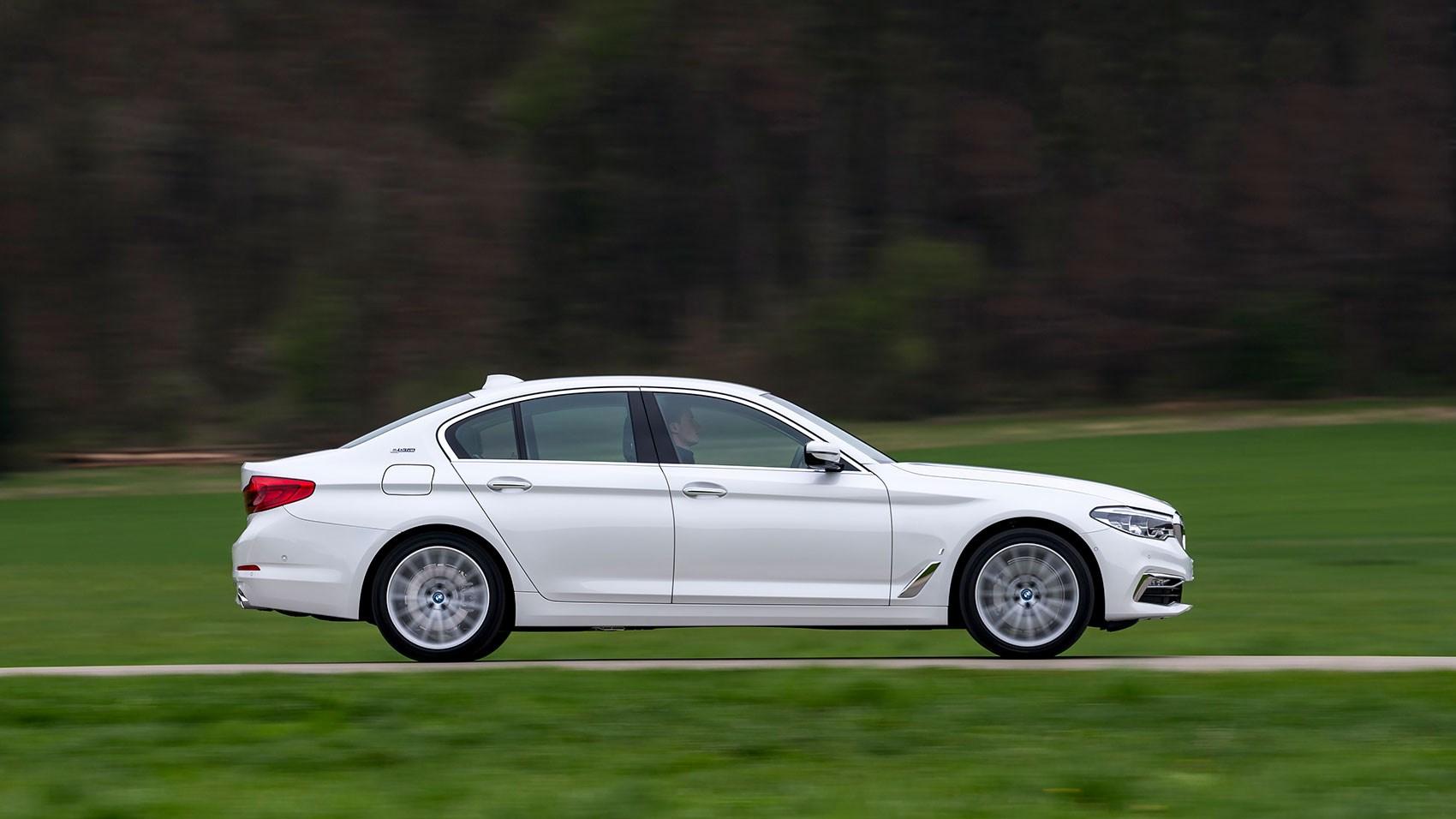 Bmw 530e Iperformance Plug In Hybrid 2017 Review Car Magazine