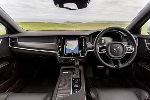 Volvo V90 interior