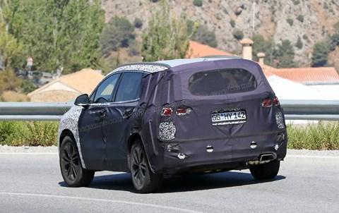 Spy photos: the new 2018 Hyundai Santa Fe SUV
