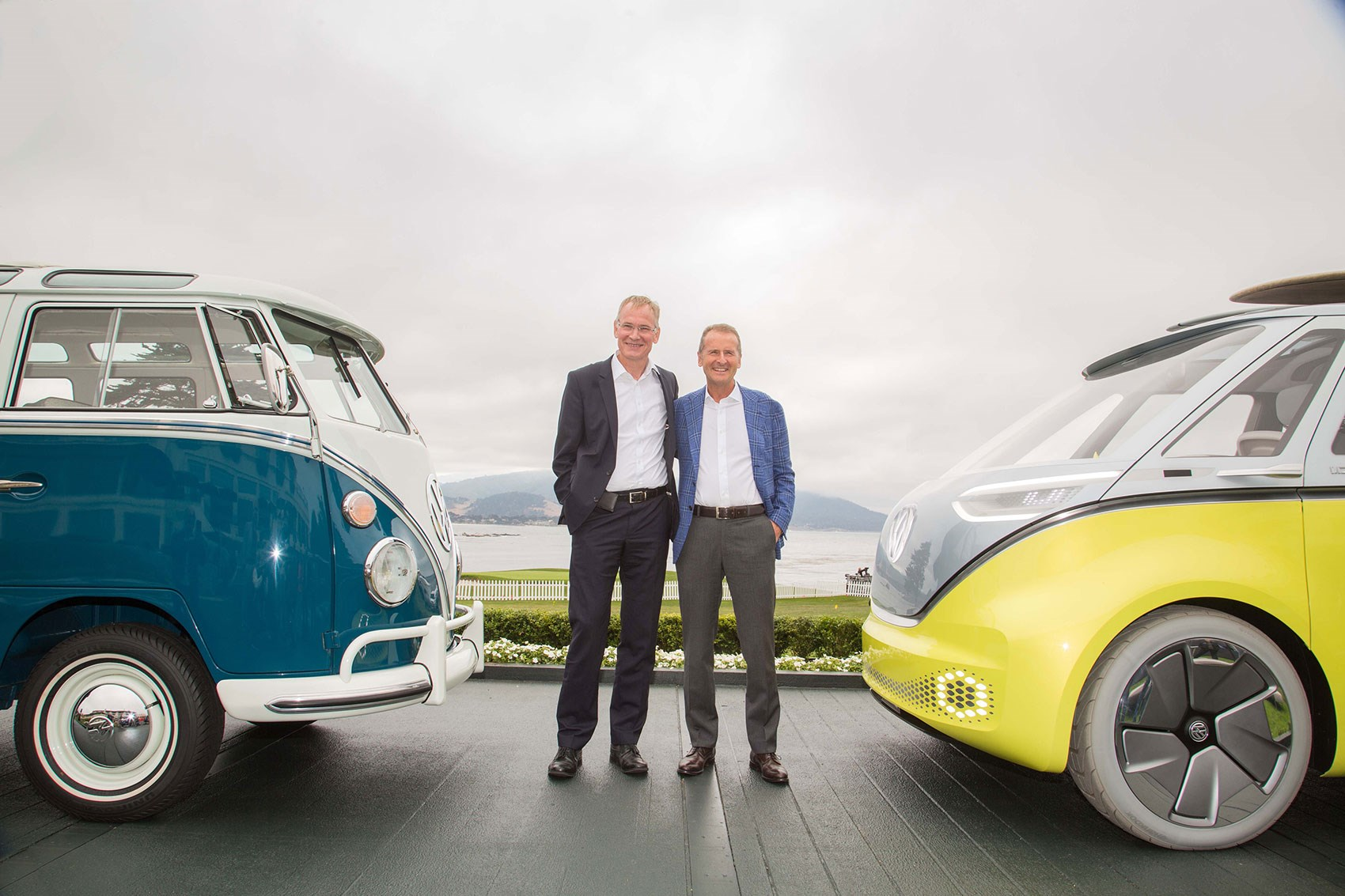 An Original Vw Microbus Left Meets The Volkswagen Id Buzz As Bosses Press Launch On