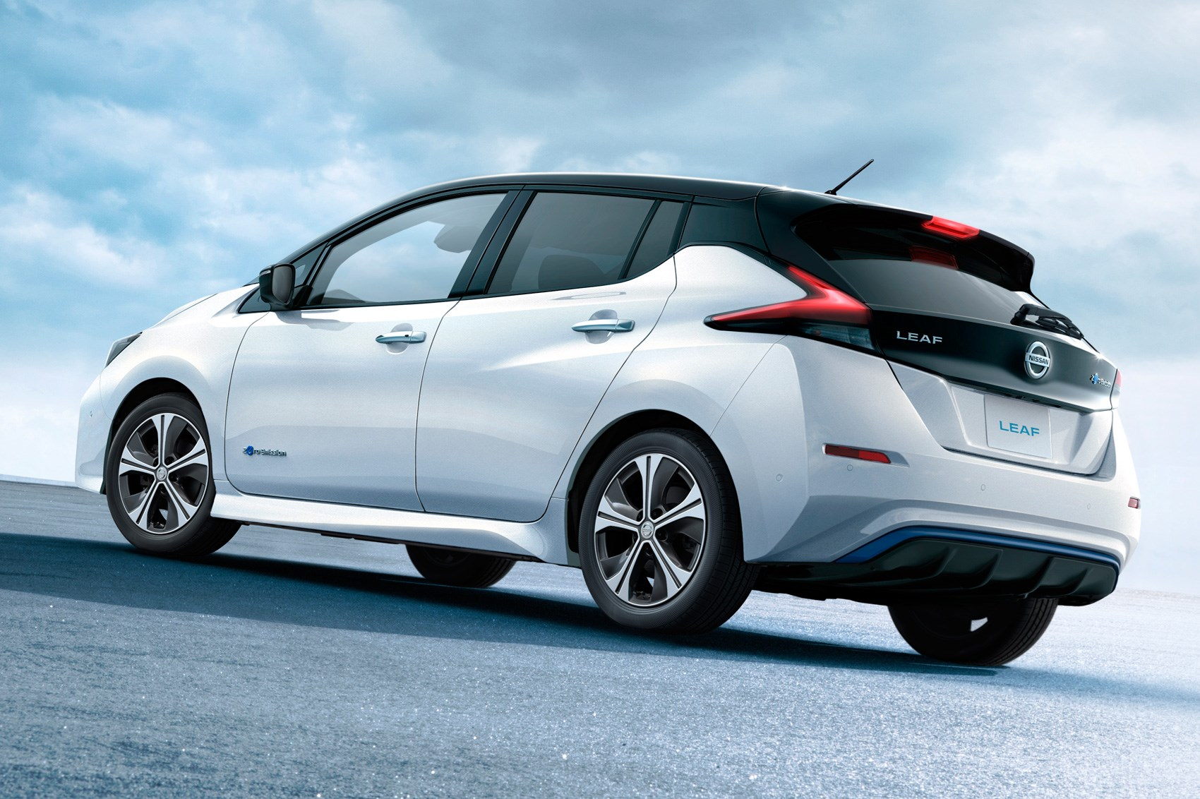 A new generation of 2018 Nissan Leaf model year 23