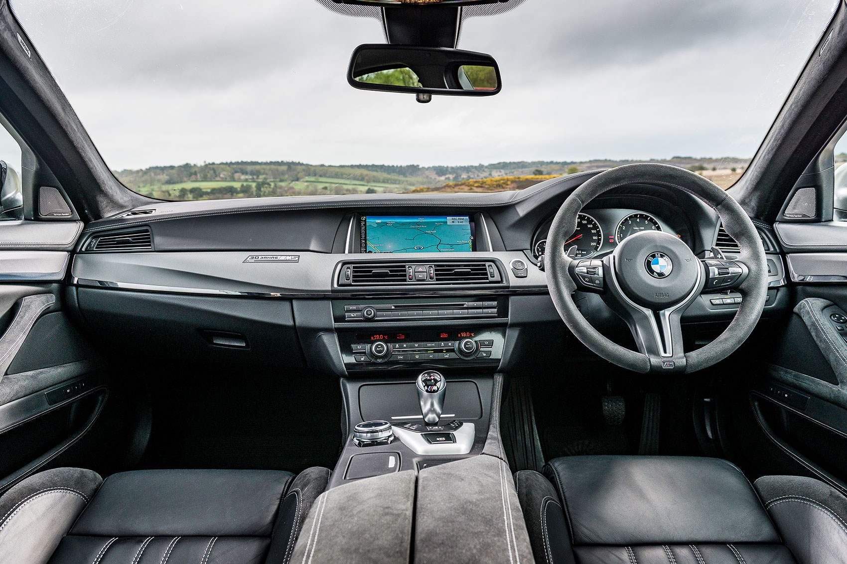 BMW M5 buying guide: driving all of the first five BMW M5 ...