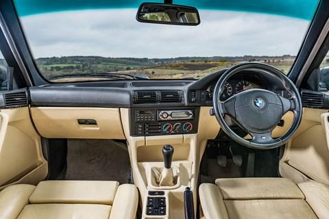 BMW M5 E34 interior