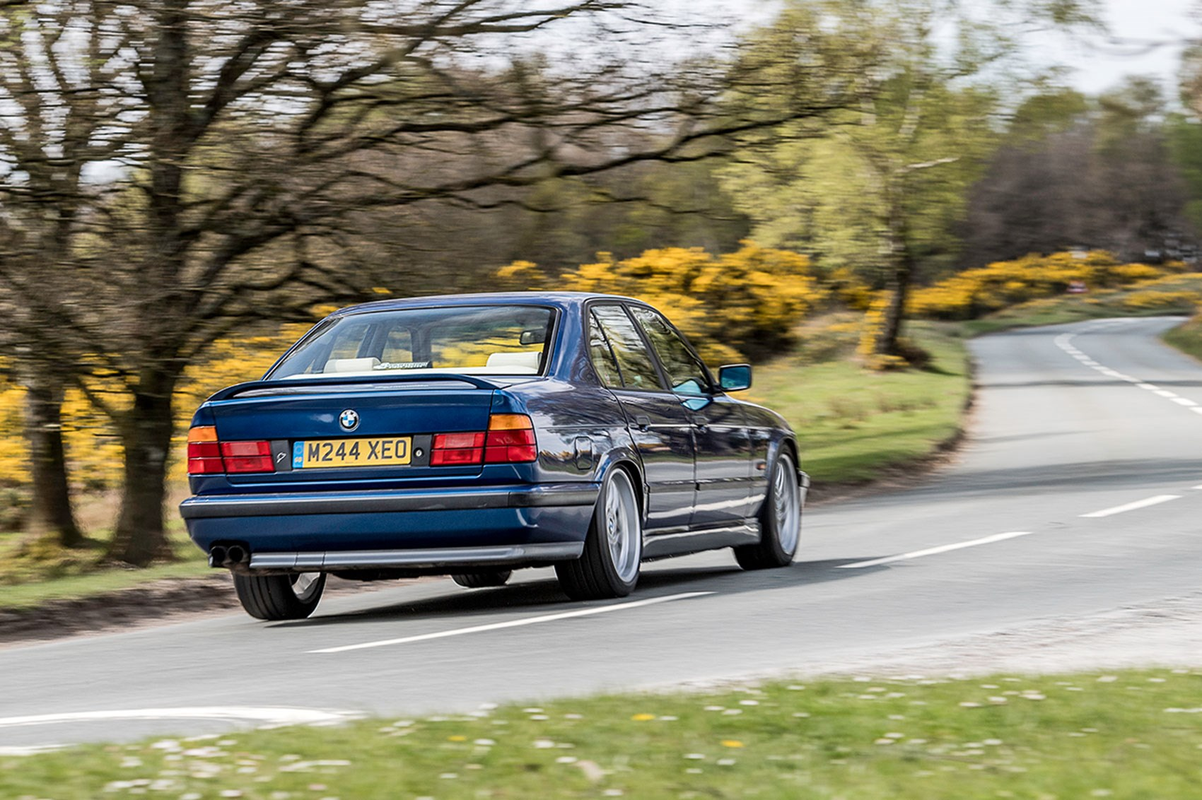 ... E34 was available with 3.6- and 3.8-litre engines; only 1994-on models  got a six-speed manual ...