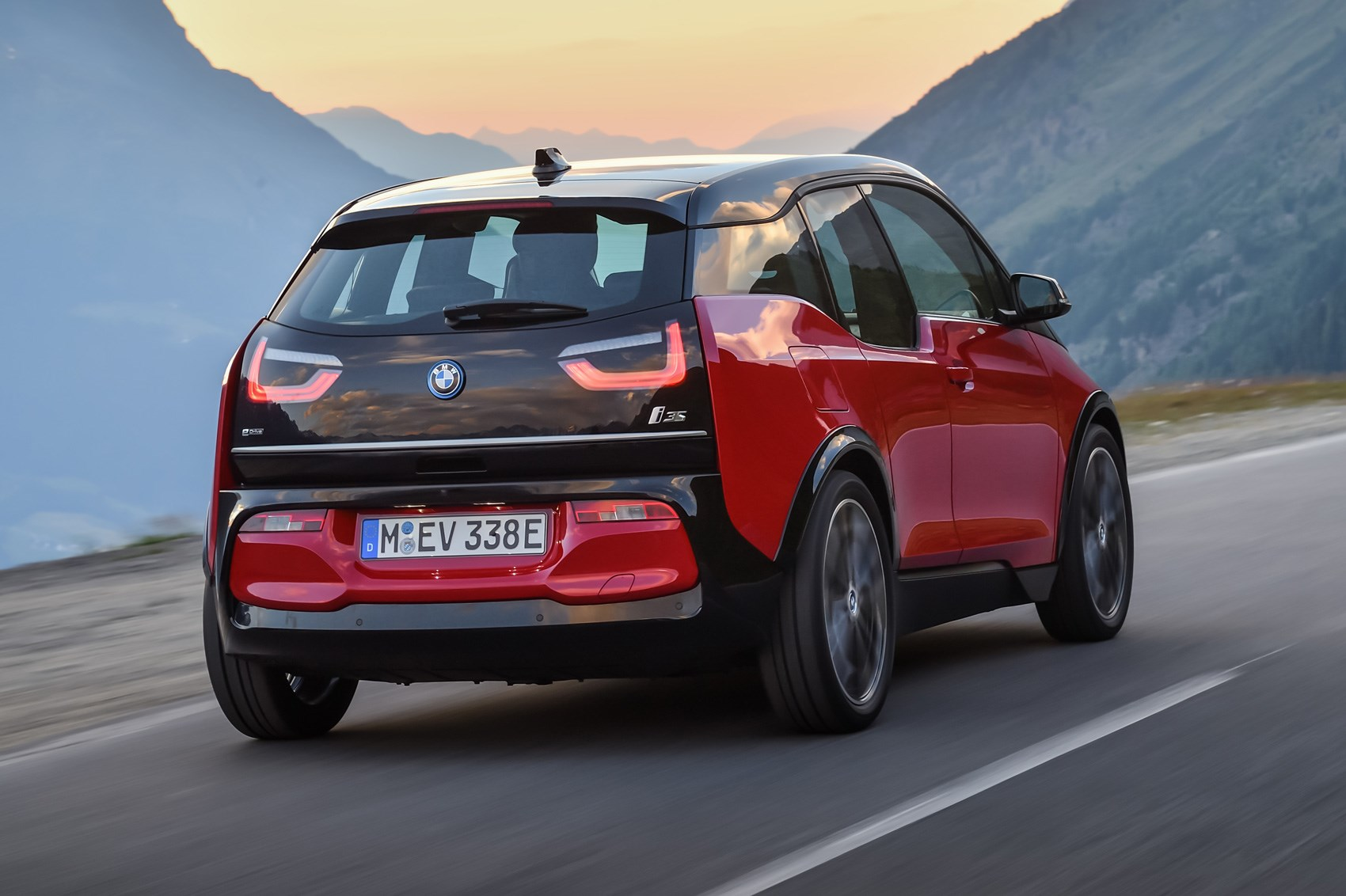 warm ev anyone bmw i3 s surges in ahead of frankfurt. Black Bedroom Furniture Sets. Home Design Ideas