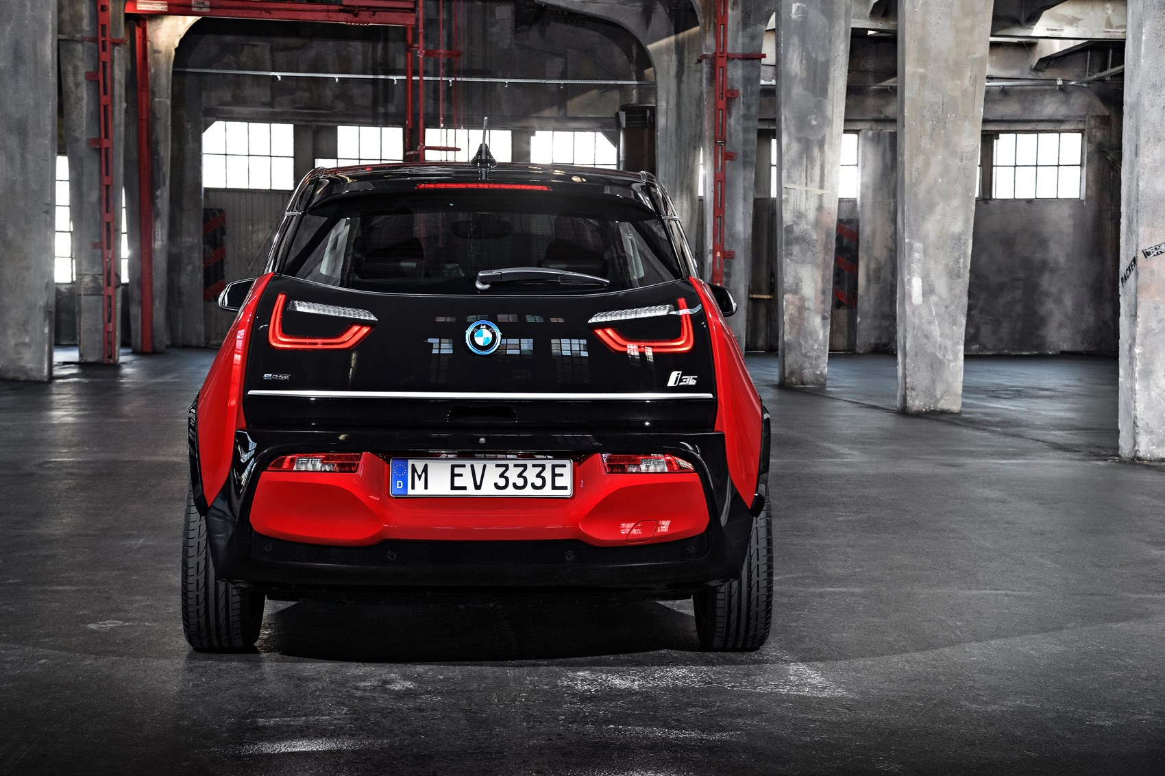BMW i3 and i3 S: electric car gets power boost for 2018 ...