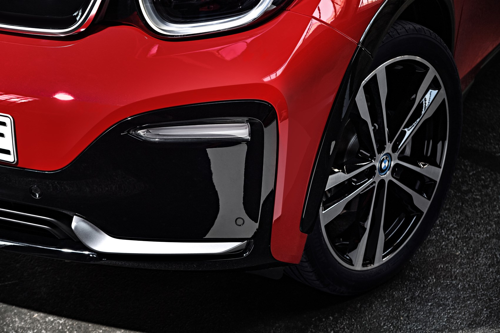 BMW i3 and i3 S: electric car gets power boost for 2018