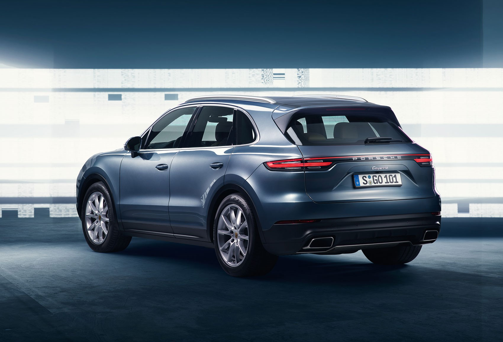 Shades Of Mini Macan From The Rear It S New Porsche Cayenne
