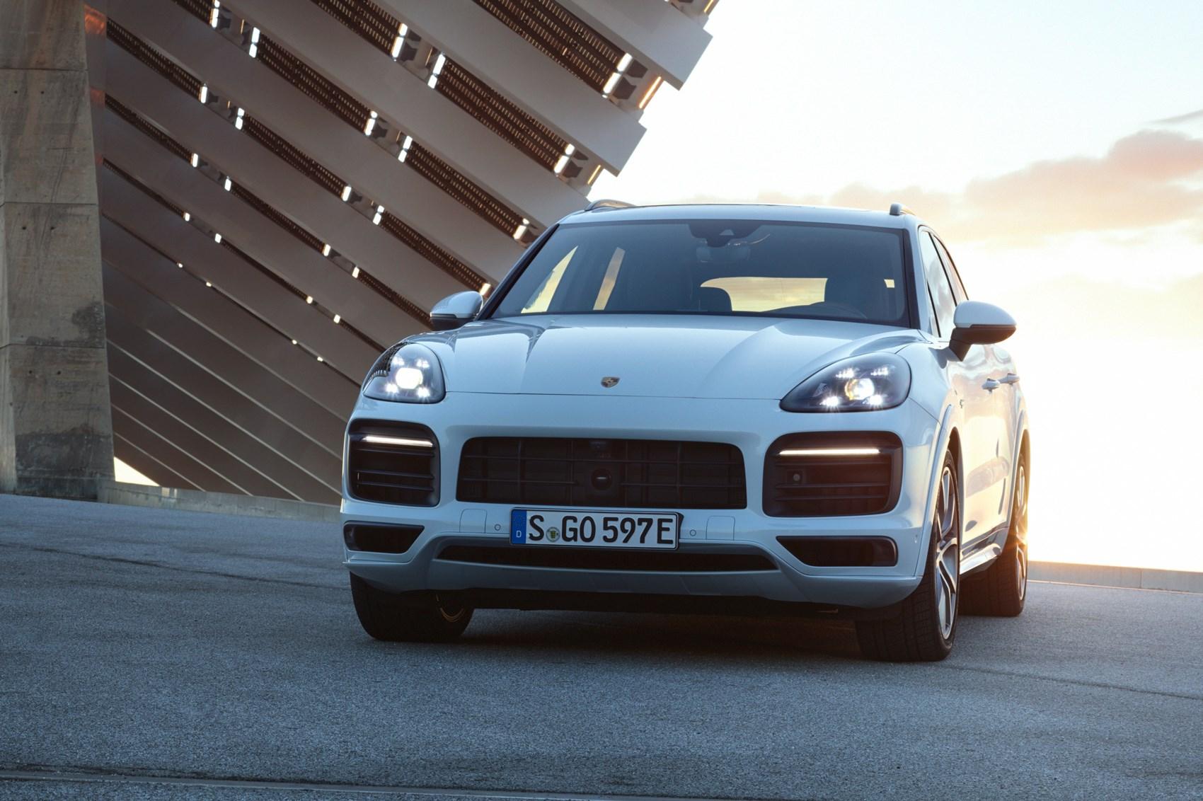 New 2018 Porsche Cayenne: pics, performance specs and price   CAR ...