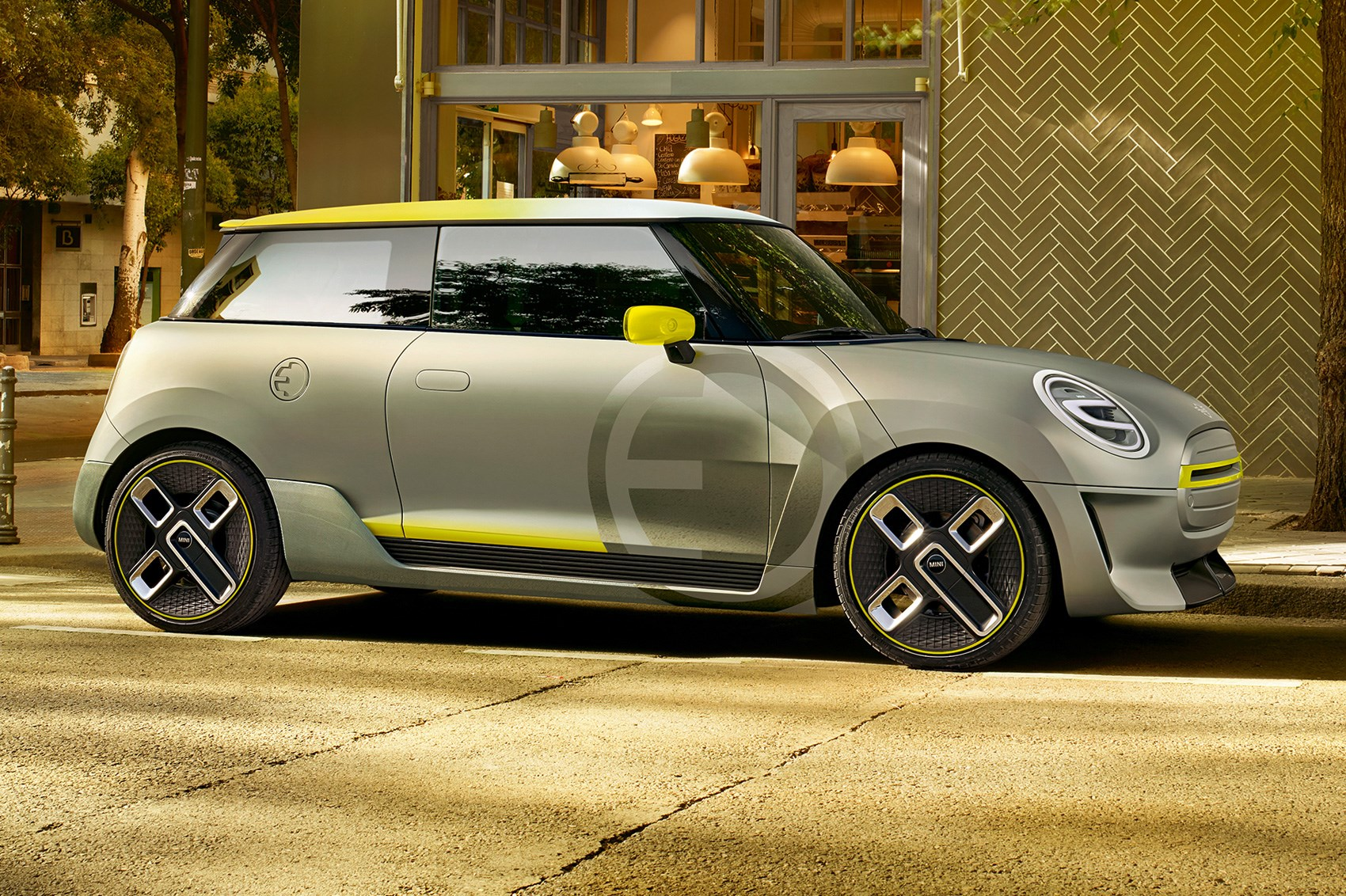 Mini Electric Concept Charges In To Frankfurt 2017
