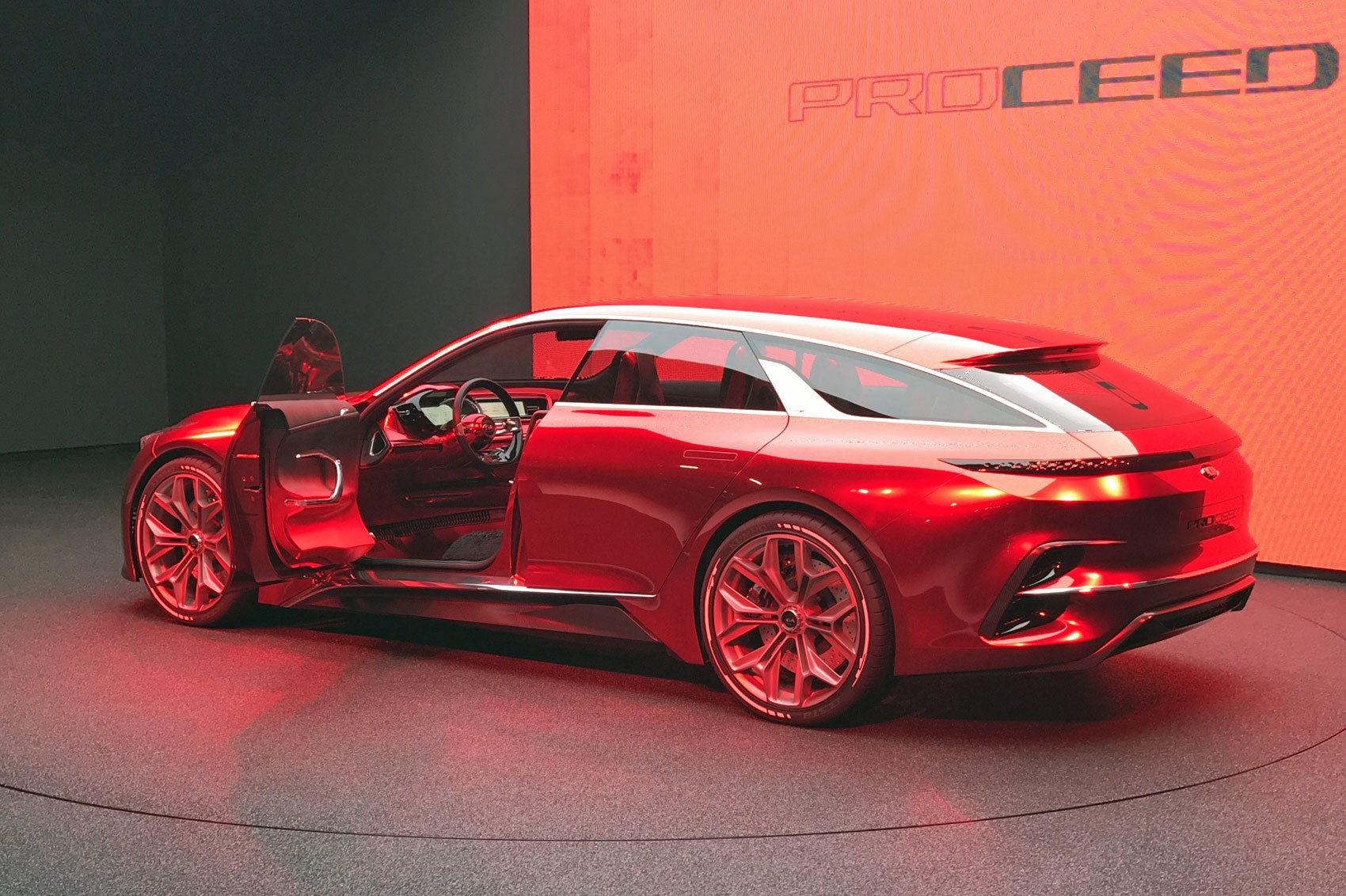 Kia Proceed Concept shooting brake live from Frankfurt ...