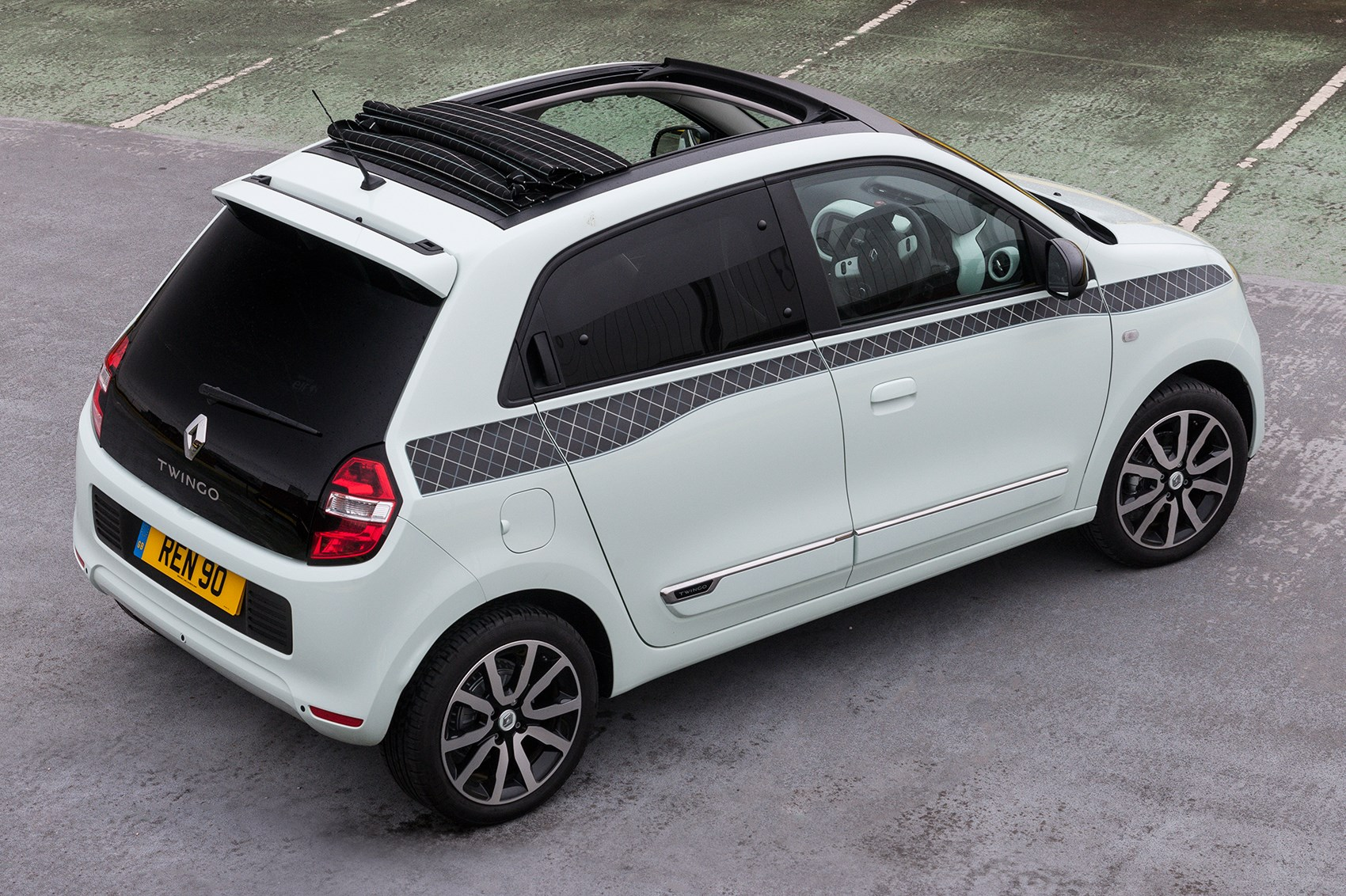 renault s iconic special edition twingo on sale by car magazine. Black Bedroom Furniture Sets. Home Design Ideas