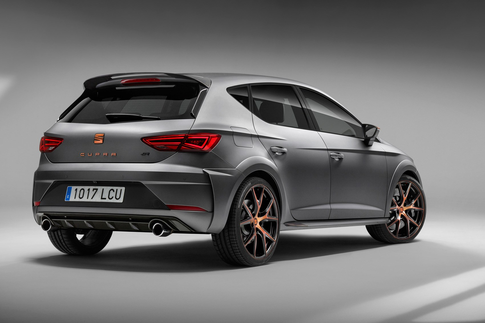 cupra plus copper new seat leon cupra r revealed by car. Black Bedroom Furniture Sets. Home Design Ideas