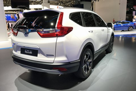 Honda CR-V Hybrid previews 2018 production model