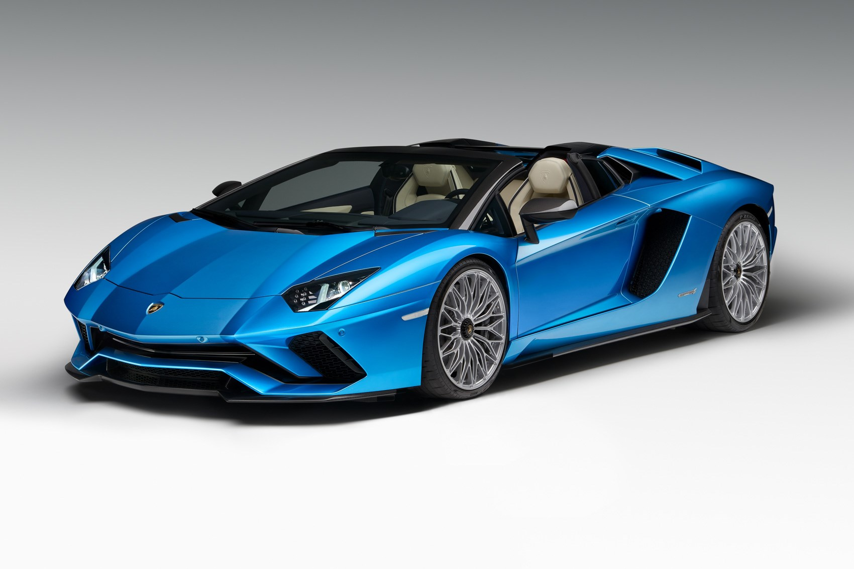 Lamborghini Aventador S Adds $460247 Roadster Model, Looks Very Desirable