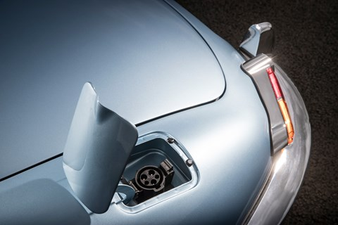 Jaguar E-Type Zero plug