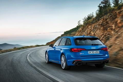 Audi RS4 Avant 2017 rear tracking