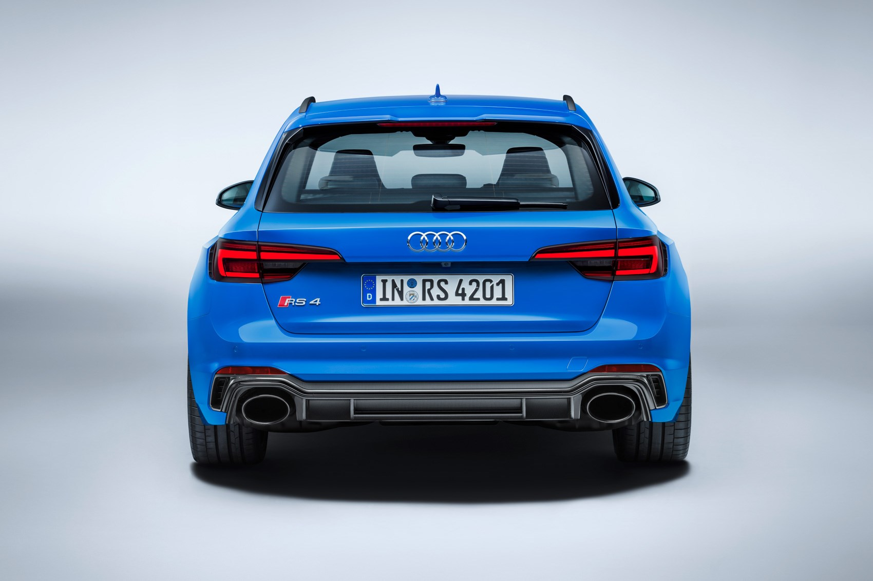New (e)state of mind: Audi pulls covers off new RS4 Avant by CAR ...