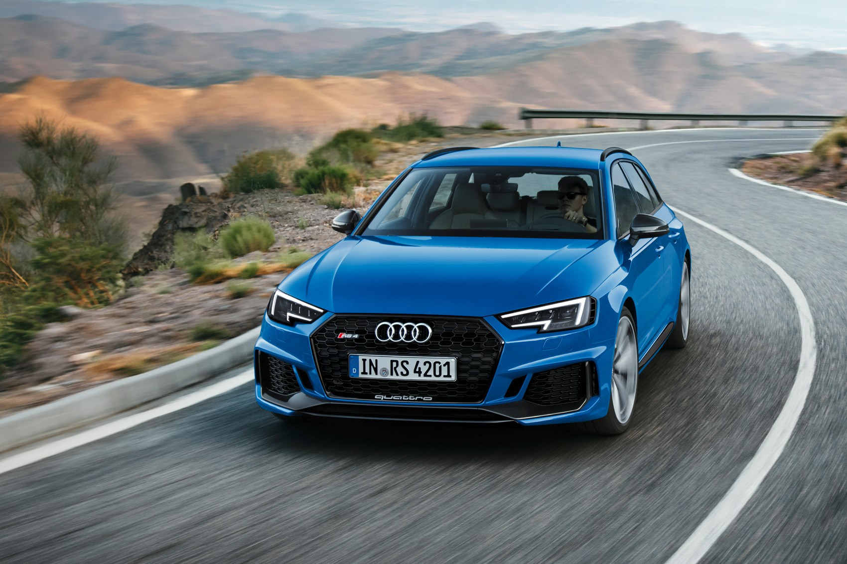 new e state of mind audi pulls covers off new rs4 avant car magazine. Black Bedroom Furniture Sets. Home Design Ideas