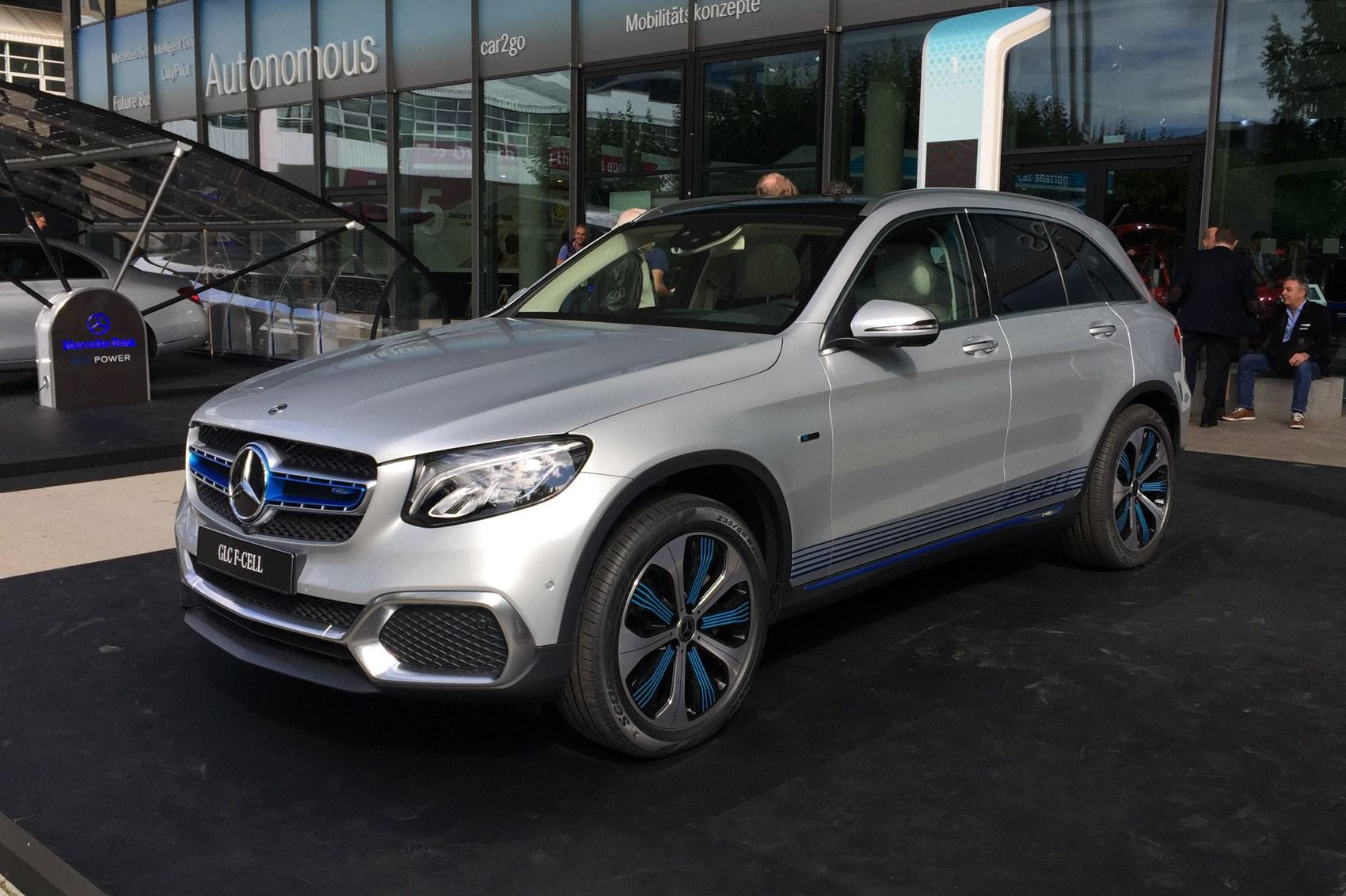 Mercedes glc f cell hydrogen car by car magazine for Mercedes benz hydrogen car