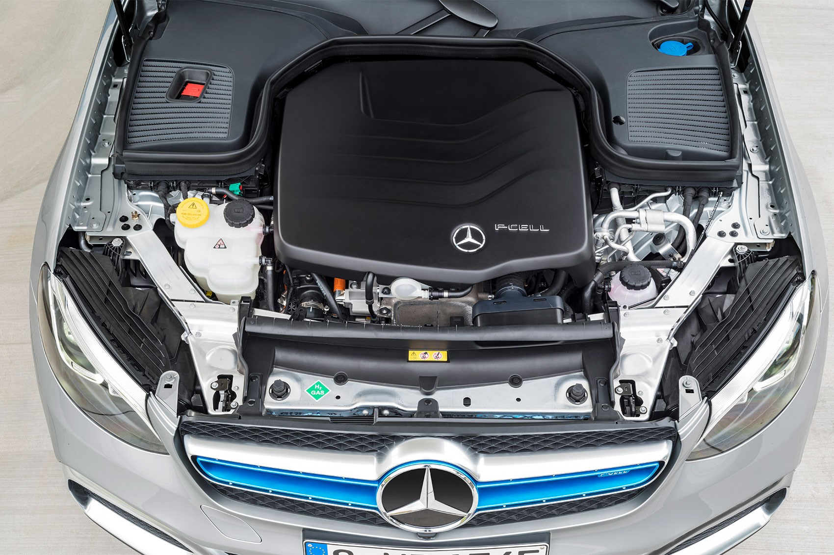 Mercedes glc f cell hydrogen car car magazine for Mercedes benz hydrogen car
