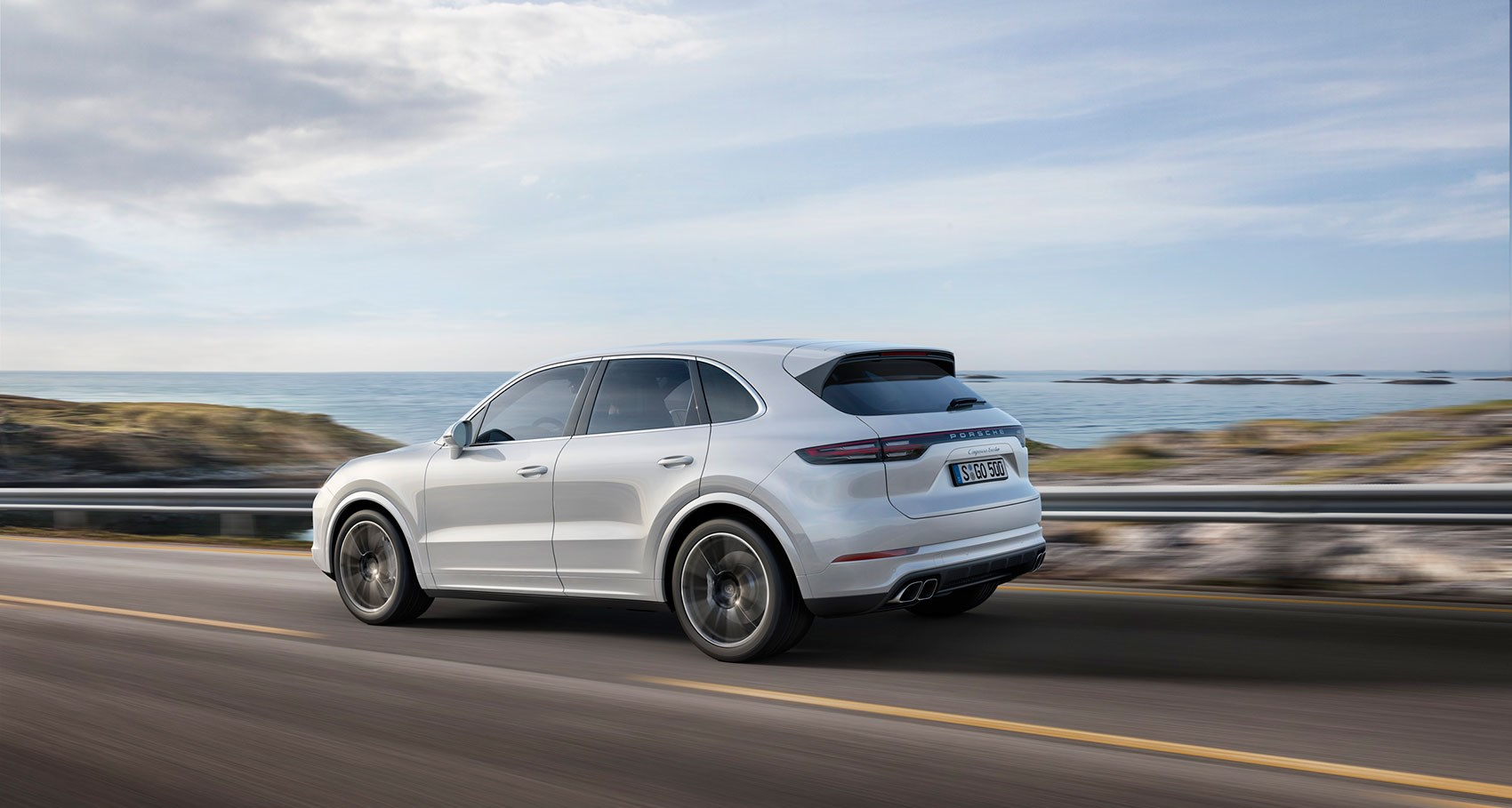 new porsche cayenne turbo unveiled for 2018 by car magazine. Black Bedroom Furniture Sets. Home Design Ideas