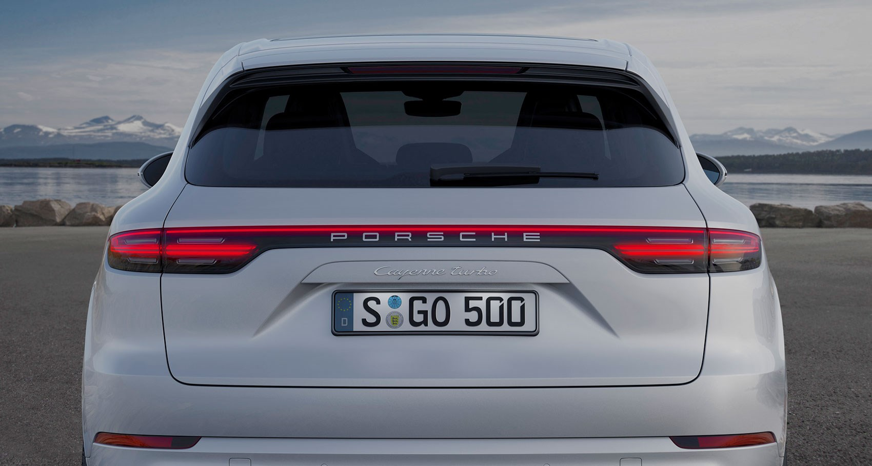 2018 porsche turbo. exellent turbo deployable popup rear spoiler on new 2018 porsche cayenne turbo for porsche turbo