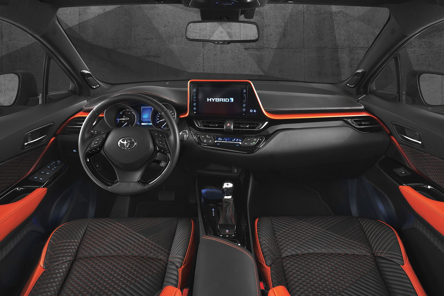 Crossover gets cross c hr hy power concept shows what 39 s for Hr design interiors