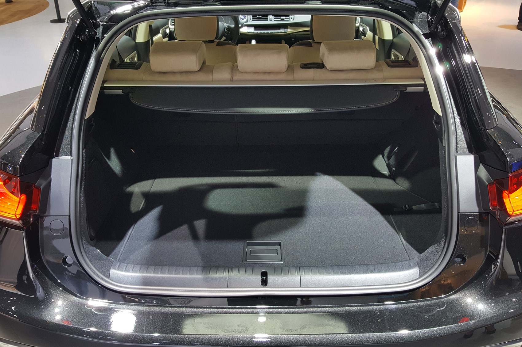 Silently Plodding On Lexus Ct200 Updated Car Magazine