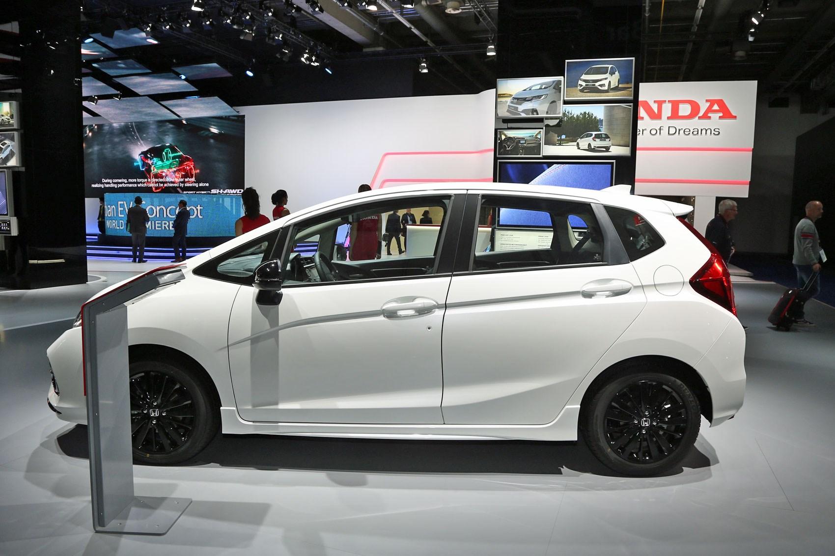 New Honda Jazz 2018 Uk Prices For Facelifted Mini Civic Revealed