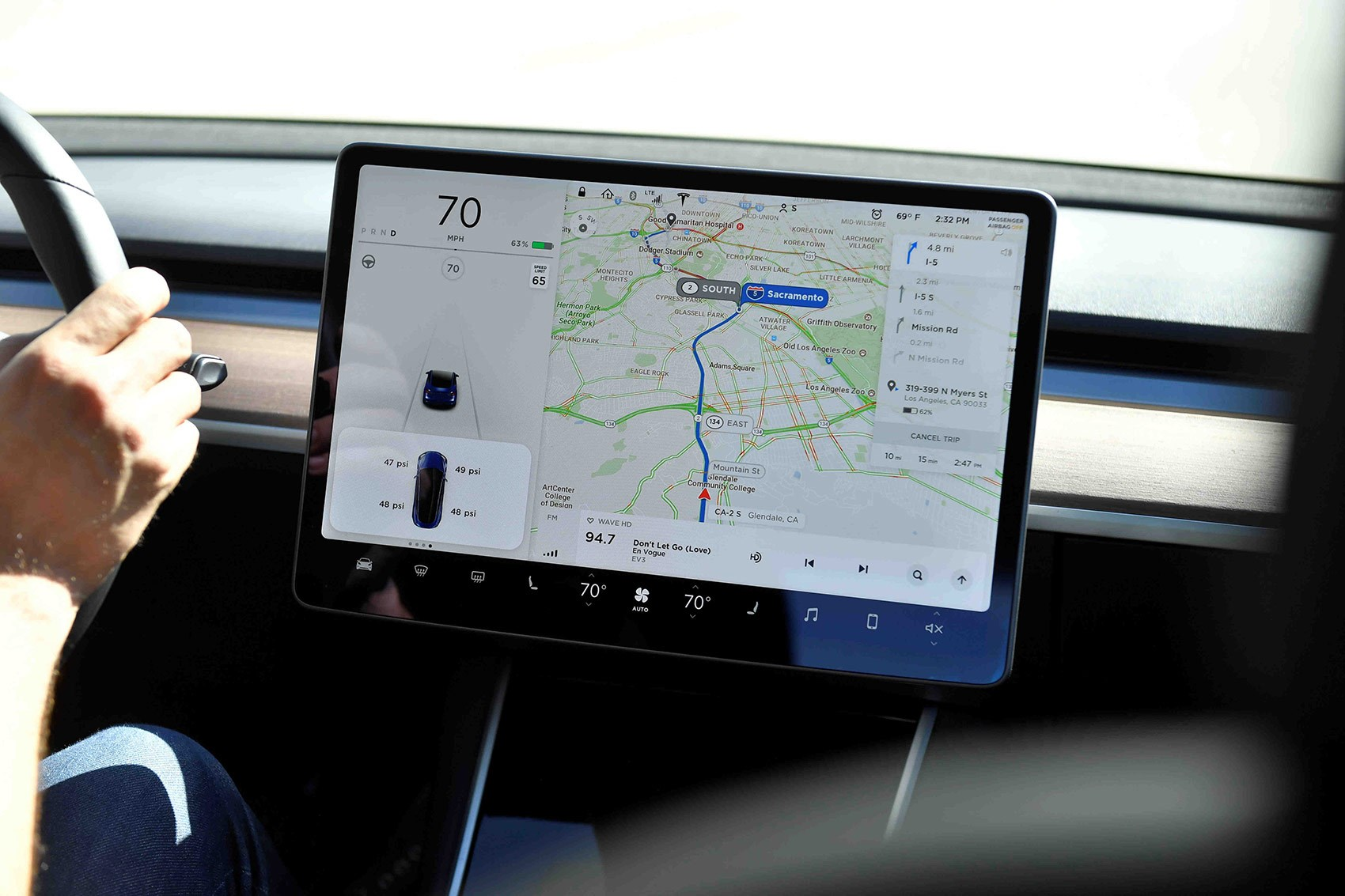 Tesla Model 3 digital screen