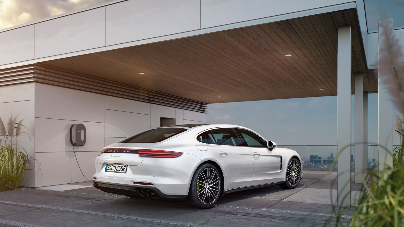 Porsche Panamera Lease >> Porsche Panamera 4 E-Hybrid Executive LWB (2017) review | CAR Magazine