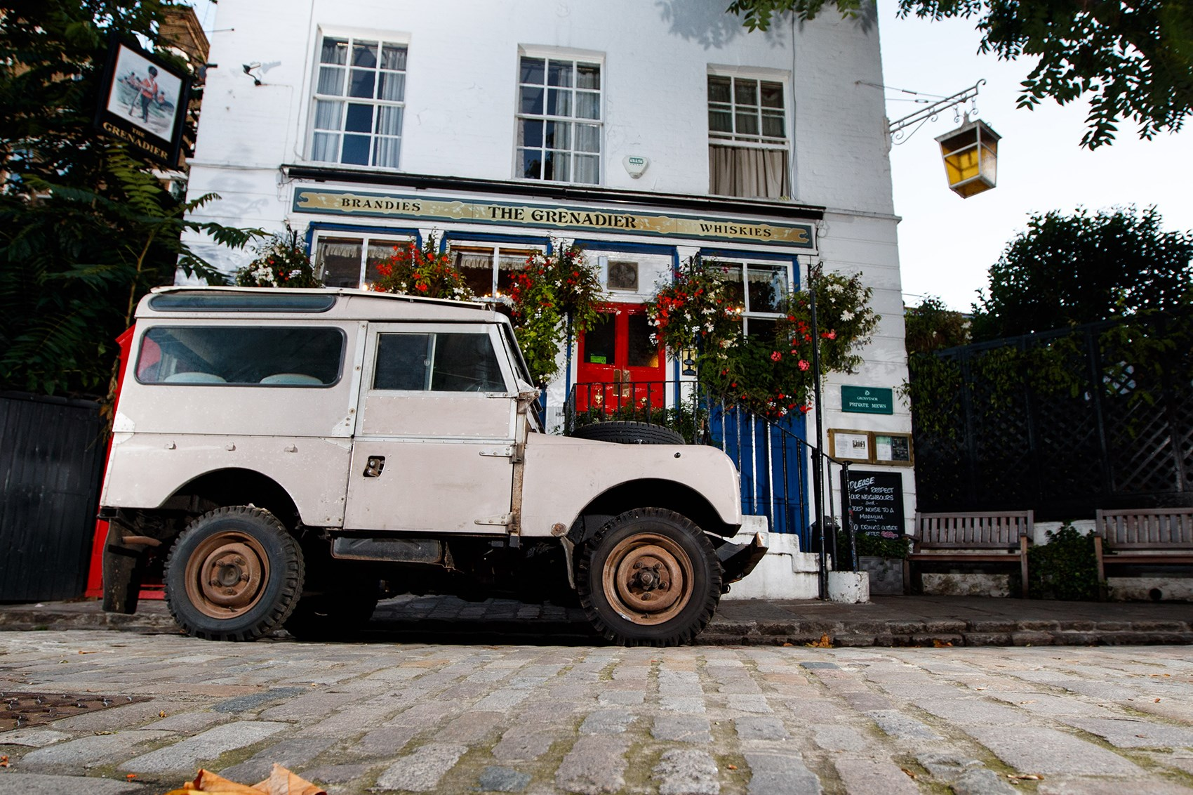Ineos Projekt Grenadier: an old-school 4x4 off-roader for 2020 by ...