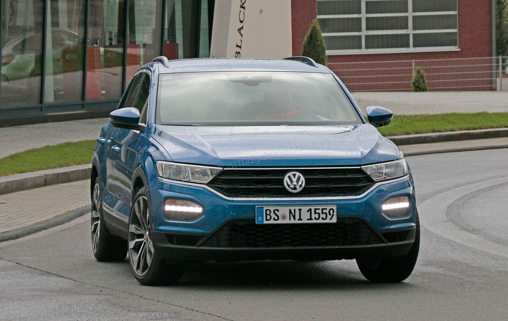 vw t roc r 2018 revealed in pictures by car magazine. Black Bedroom Furniture Sets. Home Design Ideas