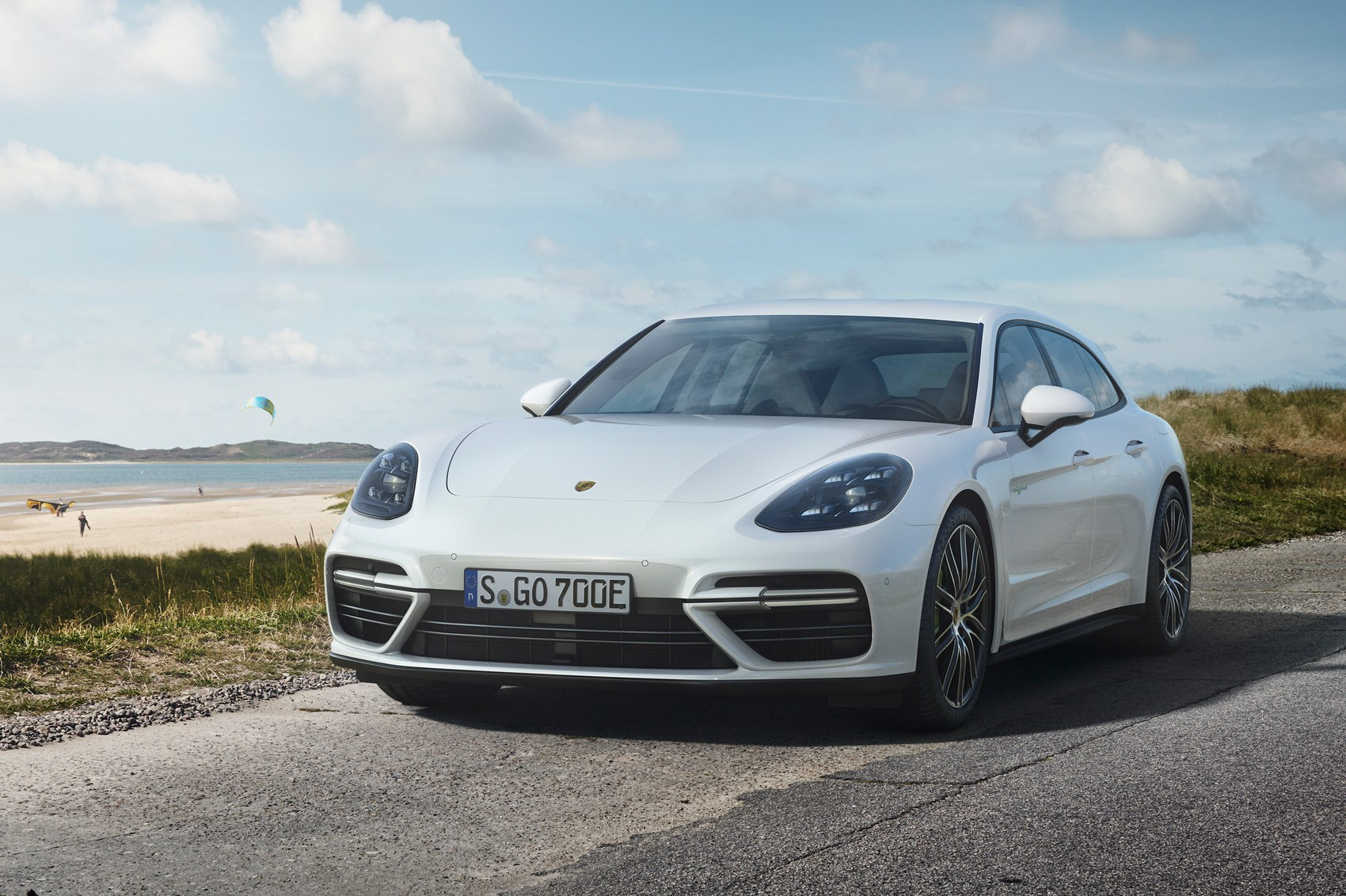 porsche panamera sport turismo turbo s e hybrid bows in by car magazine. Black Bedroom Furniture Sets. Home Design Ideas
