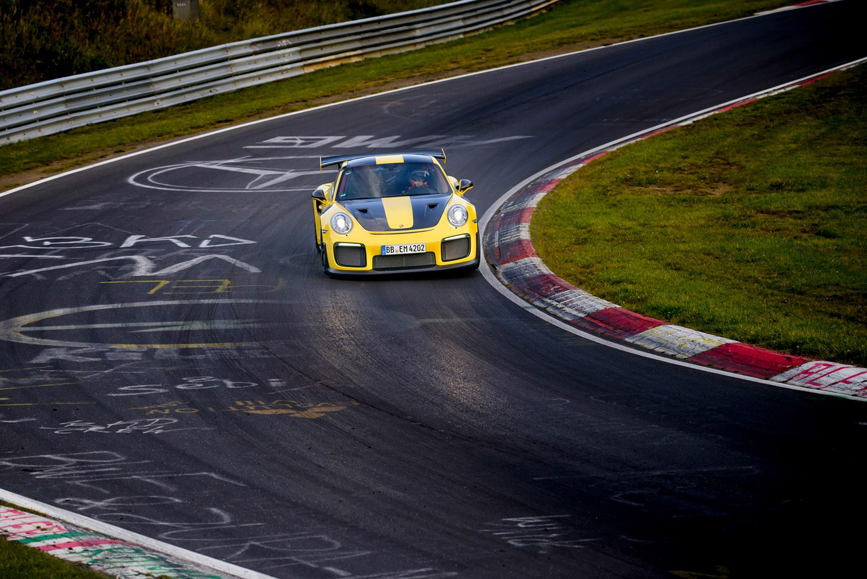 Porsche's new 911 GT2 RS just crushed the Nürburgring lap record