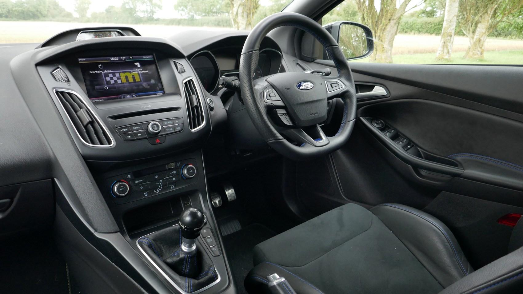 Ford Focus RS M400 Mountune interior