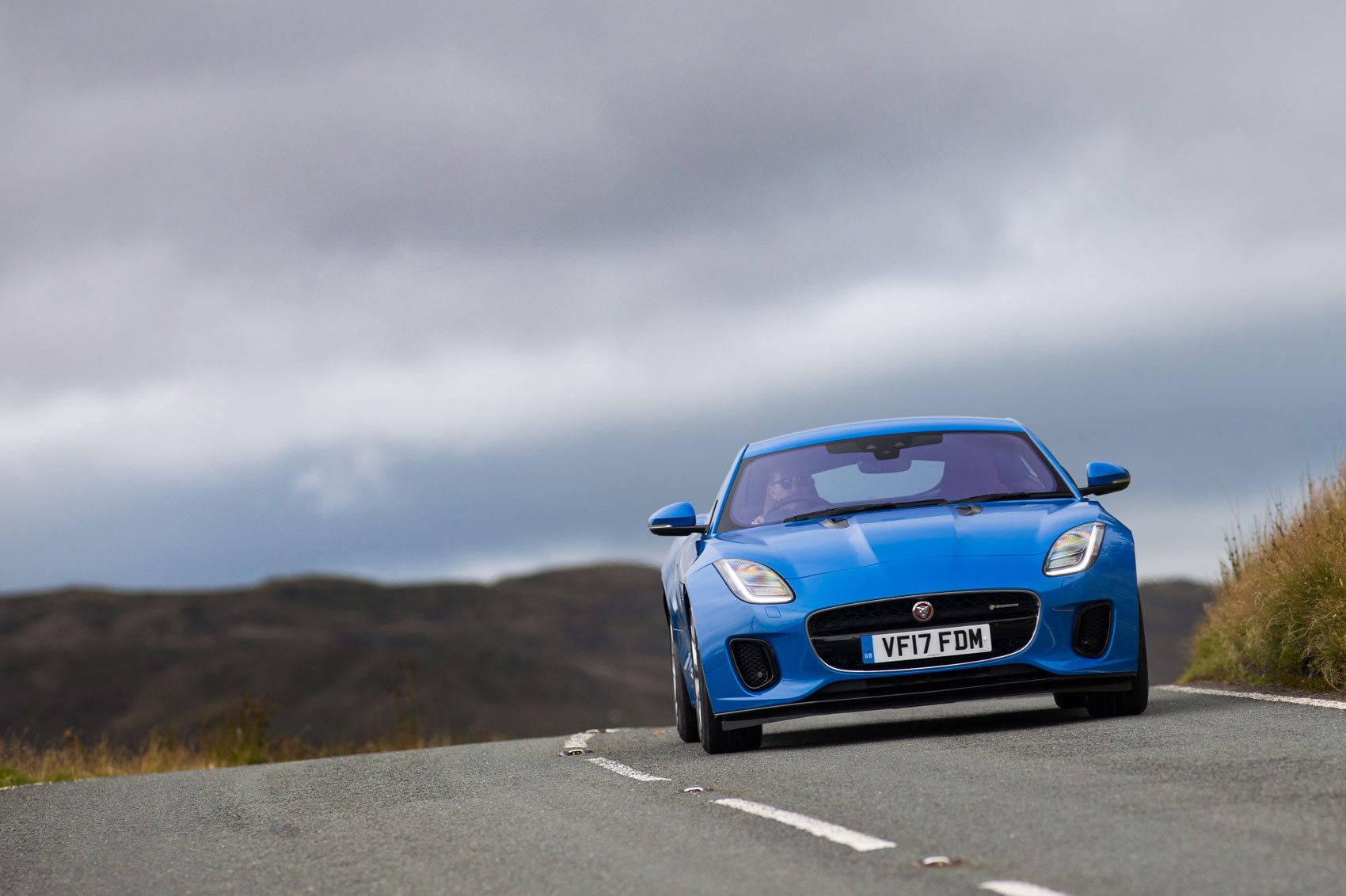 Jaguar F-type 4cyl hill cornering