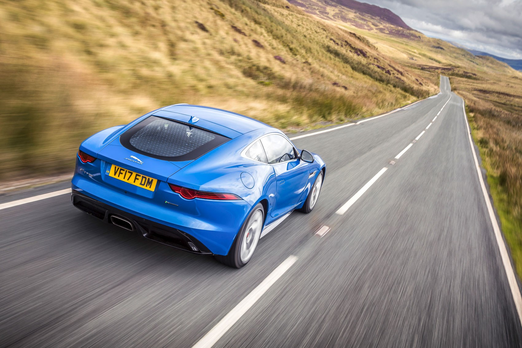 Jaguar F-type 4cyl rear tracking
