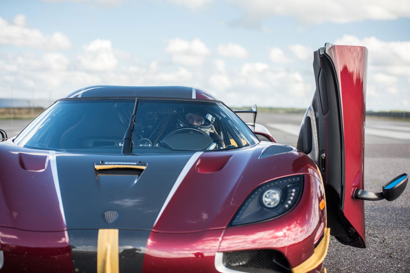 Watch: Koenigsegg Agera RS Smashes 0-249mph-0 World Record