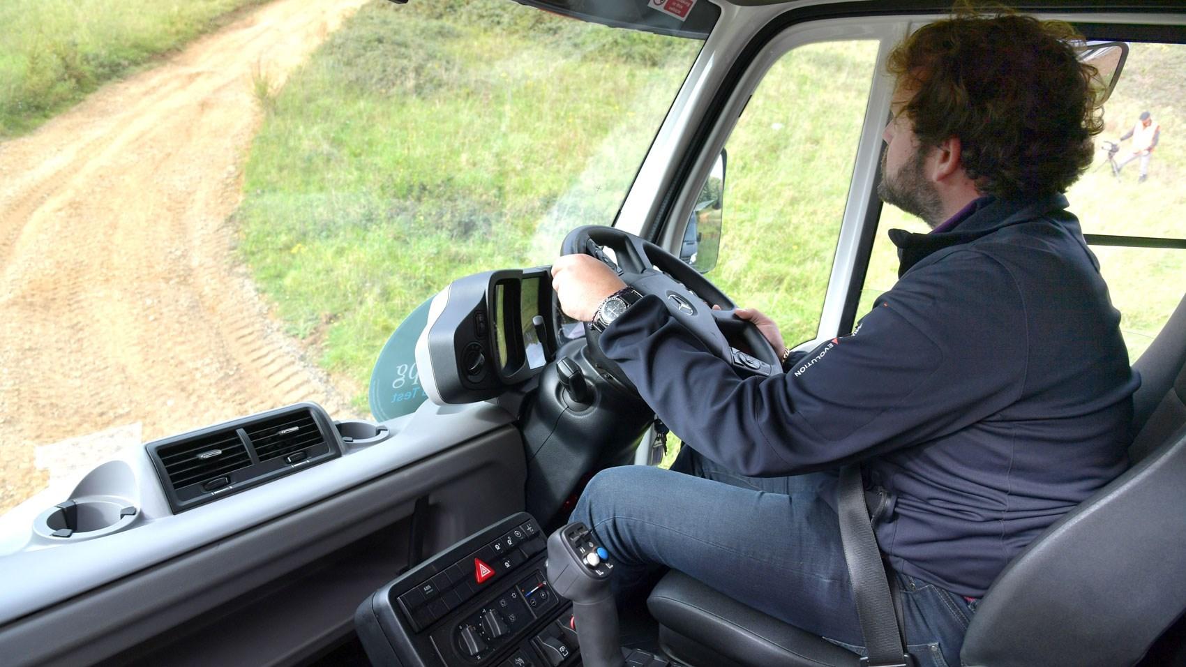 Mercedes Unimog Gareth driving
